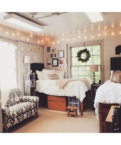 Dorm Room Décor for the Chic Collegiate. - Dujour (college girl bedding window panels)