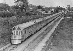 The 1936 Denver Zephyr. Photo by the Chicago, Burlington, & Quincy Railroad. Old Trains, Vintage Trains, Rail Train, Burlington Northern, Train Pictures, Train Engines, Diesel Locomotive, Train Tracks, Retro Futurism