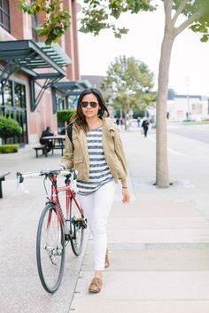 22 Chic Bikers Zipping In S.F. #refinery29  http://www.refinery29.com/biker-style#slide-15  Eighth Street: Shidume Lozada, photography curator at Airbnb, looks casual-cool on her way to work.
