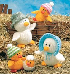 I love Jean Greenhowe's designs and this little duck family is one of my favourites. Even when I was still a beginner knitter I could make up her simpler designs successfully! Something I'll be getting my little girl to work on if she wants to learn to knit when older