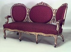 French Victorian carved gilt triple oval back settee with rope and tassel carving Victorian Love Seats, Victorian Art, Victorian Homes, Home Goods Decor, Home Decor, Furniture Board, Victorian Furniture, Settee, Vintage Decor