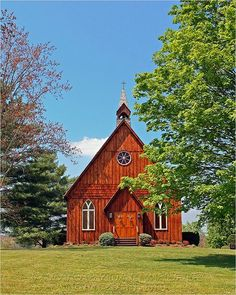 (~ Little Country Church on the Backroads of Sevierville, Tennessee ~