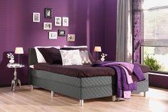 paarse romantische slaapkamer