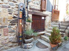 Saint Eulalie d'Olt en Aveyron, Dept 12. Europe, Wander, Patio, France, Places, Outdoor Decor, Beautiful, Lugares, Terrace