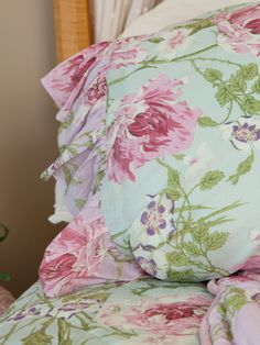 Surround yourself with the beauty of timeless prints and old-fashioned fabrics for a life filled with feminine beauty. The Rose Nouveau is nothing short of a contemporary classic—soothing aqua background set behind  tender pastels influenced by elegant French design.