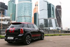 Rumble the concrete jungle. Mini Paceman, Mini Clubman, My Dream Car, Dream Cars, New Mini Countryman, Classic European Cars, John Cooper Works, Mini Cooper S, Cute Cars
