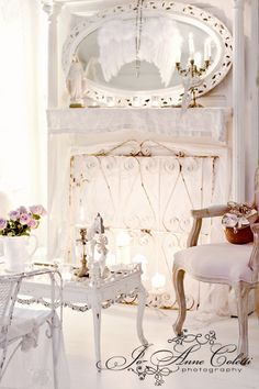 All White Interior with a touch of Vintage - shabby chic - notice the Madonna on the mantle Decor, White Living, Interior, Home, White Decor, Cottage Decor, Chic Decor, Shabby Chic Fireplace, Shabby Cottage