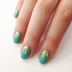 Turquoise and gold nail art idea! Such a fun DIY manicure for a fancy night out. See the tutorial here.
