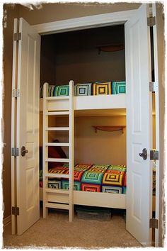 Interesting idea--bunk beds in the closet, leaves the rest of the room as a play area. Description from pinterest.com. I searched for this on bing.com/images