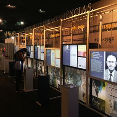 Museum Exhibition Design, Exhibition Display, Design Museum, Office Wall Design, Museum Plan, Interactive Exhibition, Museum Displays, Display Design, Museum Art Gallery