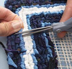 Get the pattern & tutorial to make an eye candy locker hook indigo dial trivet. Video of similar tutorial is included. Locker Hooking, Rug Hooking, Locker Rugs, Rag Rug Diy, Diy Rugs, Rope Crafts, Diy Projects To Try, Craft Tutorials, Lockers