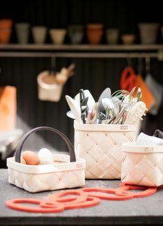 Design: Tuuli Burman, Tuttu Sillanpää Lastu baskets are a modern take on a true Finnish classic, a woven birch basket. The baskets have been brought to today by using two layers of birch Burmilla, Nordic Design, Cabins In The Woods, Marimekko, Kitchen Colors, Danish Design, Helsinki, Leather Handle, The Fresh