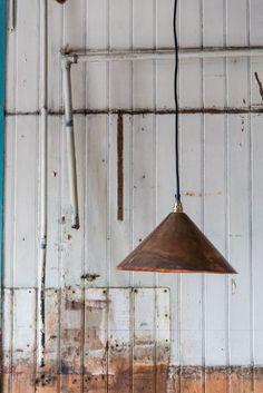 Bon Jour Bordslampa koppar FLOS Norrmalms Elektriska