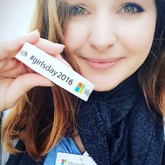 An awesome Virtual Reality pic! Juliette went to @microsoftnl today for their #Girlsday2016 And got invited to meet again and talk about our #startup. - www.reddlock.com #game #gamedev #indiedev #indie #vr #virtualreality #oculus #oculusrift #startup #sta