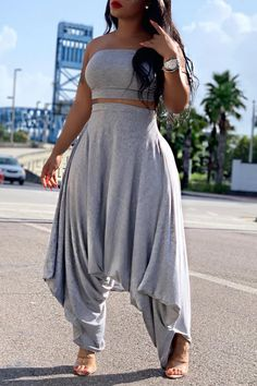 Solid Straight Across Top & Harem Pants Sets Shop Women's Trendy Clothes Online. Bottom Price Of The Year. Buy More, Save More. Latest & New Styles. Sarouel Pants, Harem Pants, Estilo Fashion, Ideias Fashion, Queer Fashion, Mode Cool, Slouchy Pants, Two Piece Pants Set, Pantsuits For Women