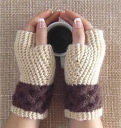 Handknitted Fingerless Gloves Mittens IRISH by FairyGarter Gilet Crochet, Crochet Gloves, Knit Crochet, Crochet Beanie, Loom Knitting, Hand Knitting, Knitting Patterns, Crochet Patterns, Fingerless Gloves Knitted