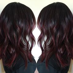 Merlot accents Merlot accents Scrumptious colors, just like caramel, are really enticing, making them an Hair Color Balayage, Red Balayage Hair Burgundy, Dark Burgundy Hair Color, Burgundy Wine, Rides Front, Winter Hairstyles, Dark Hair, Hair Trends, Hair Inspiration