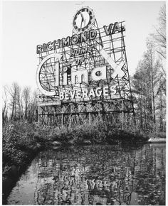 Richmonders of a certain vintage associate Climax with an animated electric sign on Belle Isle. It all began with the city& beery past. Old Pictures, Old Photos, Beer History, History Facts, Hollywood Cemetery, Virginia History, Haunting Photos, Vintage Neon Signs, Confederate States Of America