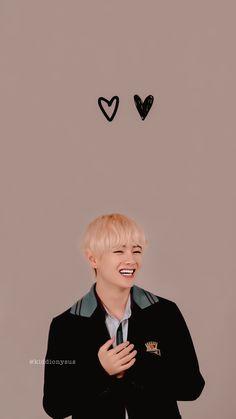 Taehyung Wallpaper, V Bts Wallpaper, Jungkook Selca, V Taehyung, Bts Name, Taekook, Crush Pics, Bts Polaroid, Min Yoonji