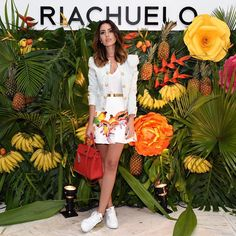 Meu look de hoje pra essa experiência incrível com @riachuelo e @isolda_  Estou encantada! { Saia já da coleção #IsoldaParaRiachuelo e Jaqueta @balmain }  pH: @luprezia