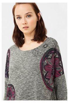 Camiseta gris con bajo cruzado | Desigual.com C