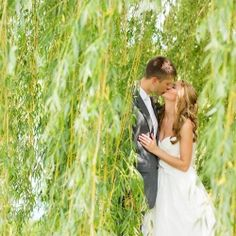 Romantic wedding portraits underneath a willow tree! Perfect summer wedding photo ideas!