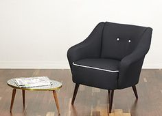 Beautiful cocktail chair, 50s armchair. Lovely design with curved out armrests and tapered and splayed legs. www.viremo.co.uk Cocktail Chair, Modern Armchair, Tub Chair, Accent Chairs, Legs, Retro, Vintage, Furniture, Beautiful