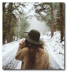 20+ Beautiful Snow Photo Shoot Ideas