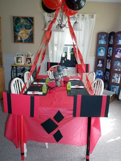 Harley Quinn plus Comics Themed Birthday Party Ideas! Free downloadable templates at splatterpalette.com!