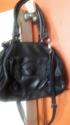 Je viens de mettre en vente cet article  : Sac en bandoulière en cuir Aridza Bross 70,00 € https://www.videdressing.com/sacs-en-bandouliere-en-cuir/aridza-bross/p-7267254.html?utm_source=pinterest&utm_medium=pinterest_share&utm_campaign=FR_Femme_Sacs_Sacs+en+cuir_7267254_pinterest_share