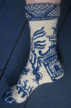 Ravelry: Willow Ware pattern by Lisa Grossman Blue And White China, Love Blue, Knitting Socks, Hand Knitting, Knit Socks, Knitted Slippers, Blue Onion, Willow Pattern, Patterned Socks