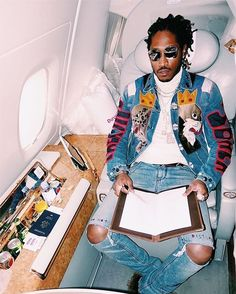 Shop Future's Dolce & Gabbana embroidered jacket and RTA jeans. Future Freebandz, Future Rapper, Urban Fashion, Mens Fashion, Thug Fashion, Fashion Trends, Rapper Outfits, Music Collage, Hip Hop Art