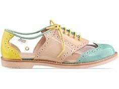Bass oxfords - I already have the black versions... Would love these for spring/summer
