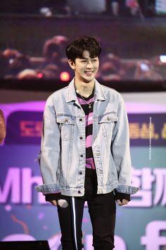 Nam Joo Hyuk Wallpaper, Yg Ikon, Ikon Songs, Sassy Diva, Ikon Debut, Ikon Wallpaper, Kim Hanbin, Kpop, Korean Music