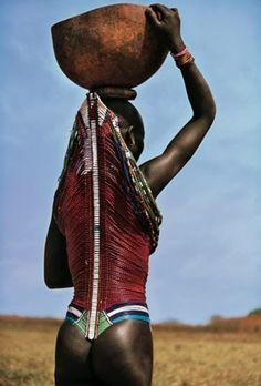 La tribu Dinka, Sudán, Africa. - Estate un rato