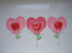 This lollipop bouquet makes a sweet gift for the teacher.