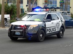"""due to marketing decisions there are no more """"Ford Cars"""" on the upcoming market for standard """"Police Cars"""" Now bulky suvs - more room for police gear and suspects Yet how do they handle in pursuits . Wait for Toyota and Nissan US police cars Old Police Cars, Police Truck, Ford Police, Police Gear, Police Patrol, Police Officer, Emergency Vehicles, Police Vehicles, Fbi Car"""