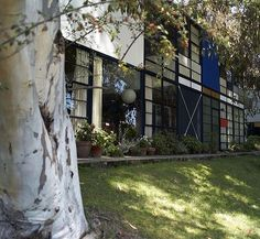 Eames House, Pacific Palisade/ built in 1949 by Charles and Ray Eames