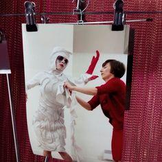 """""""Under the flower, Macbeth"""" , fotografía de la exposición de Marta Jiménez """"Vestuario Escénico"""" en el Espacio Ambigú del @teatroesquinas (Vía Universitas 30)"""