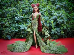Poison Ivy by david bocci Couple Halloween Costumes For Adults, Disney Halloween Costumes, Costumes For Women, Couple Costumes, Adult Costumes, Woman Costumes, Adult Mickey Mouse Costume, Frozen Costume Adult, Poison Ivy Cosplay