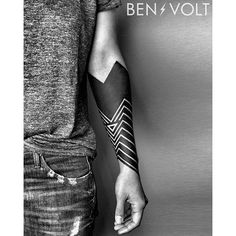 A very angular piece of geometric blackwork by Ben Volt (IG—benvolt). #BenVolt #blackwork #Bold #forearm #negativespace Blackout Tattoo, Black Tattoos, New Tattoos, Time Tattoos, Future Tattoos, Body Art Tattoos, Forearm Tattoos, Arm Band Tattoo, Black Sleeve Tattoo