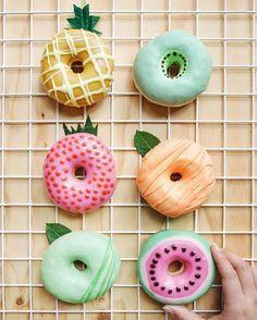 Donuts été ! ☀️ Chez Séraphine venez découvrir nos jolies collections grossesse printemps/Eté ici : http://www.seraphine.fr