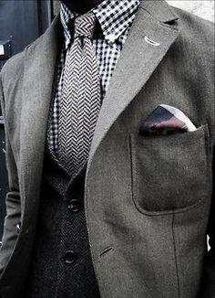 Checked shirt - unexpected.  #men #fashion  Linxspiration