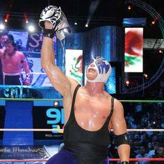 Gran fiesta en el 81 aniversario del CMLL en la Arena México
