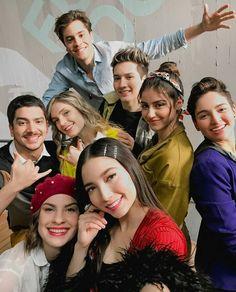 Disney Channel, Series Movies, Cute Pictures, Childhood, Instagram, It Cast, Celebrities, Fandom, Fashion
