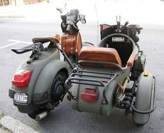 USA - military Vespa with side car - 2 + 1 Wheels - Motorrad Scooters Vespa, Scooter Bike, Lambretta Scooter, Motor Scooters, Vespa Vintage, Vintage Bikes, Classic Vespa, Electric Bicycle, Electric Cars