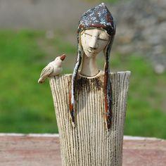. Raku Pottery, Pottery Sculpture, Sculpture Clay, Ceramic Figures, Clay Figures, Ceramic Art, Paper Clay Art, Cerámica Ideas, Hand Built Pottery