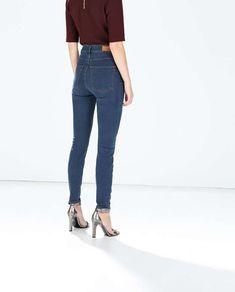 Pantalones de talle alto, cómo llevarlos y combinarlos: fotos de los modelos - Zara jeans slim talle alto