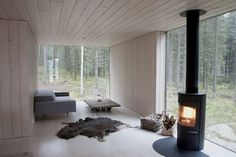 Minimal Finnish forest home / House wood mood