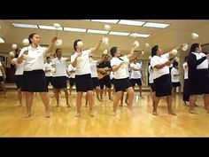 Gorgeous Maori poi dance that I would LOVE to learn and perform with my sisters. This dance is a celebration of femininity and virtue. Love it so much!